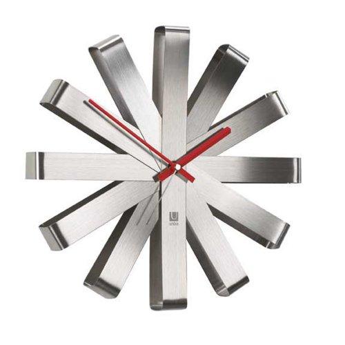 UMBRA Ribbon Clock. Horloge murale silencieuse Ribbon, en métal,...