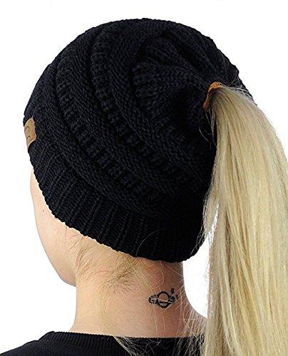 Carolilly Bonnet Hiver Femme en Tricot avec Trou pour Queue de Cheval Beanie Hat,Noir,Taille unique